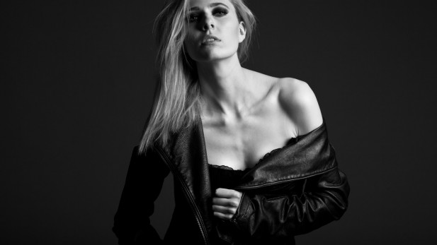Bérénice  (ICAN Model Management), MUA: Corinna Latza